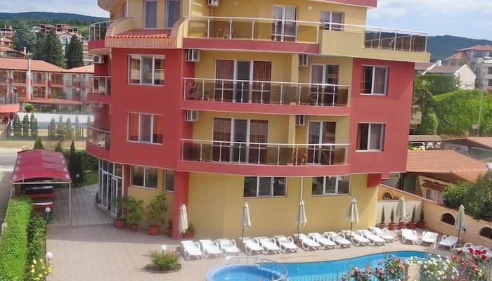 ... Bulharsko - Slnečné pobrežie - hotel Sunny Flower - exteriér ... 1bd20e6b110