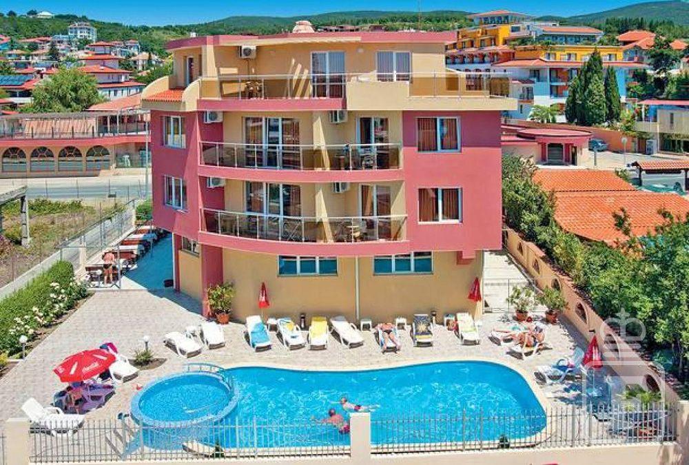 Bulharsko - Slnečné pobrežie - hotel Sunny Flower - pohľad na hotel ... 31ceeb5e371